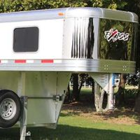 Exiss-trailers-gooseneck-in-window