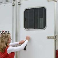 Exiss-horse-trailer-rear-door-windows
