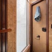 Living-Quarters-Escape-7306LQ-Shower