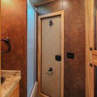 Living-Quarters-Escape-7308LQ-Bathroom
